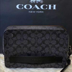 93546 - Coach Pouchette in Signature Canvas